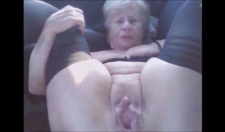 Blowjob während der neue gratis pornos Fahrt