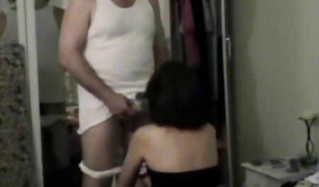 Girls Out West - Haarige lesbische Süße, die neu pornos Auto wäscht