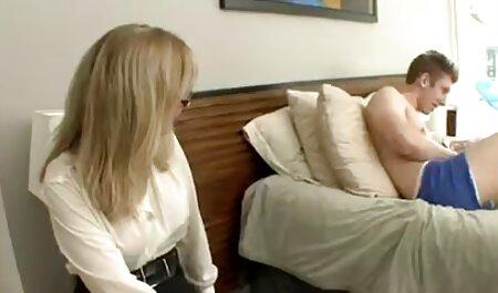 Sie saugt, fasst und fingert ihn, bis neue deutsche sexfilme er auf ihr Gesicht spritzt