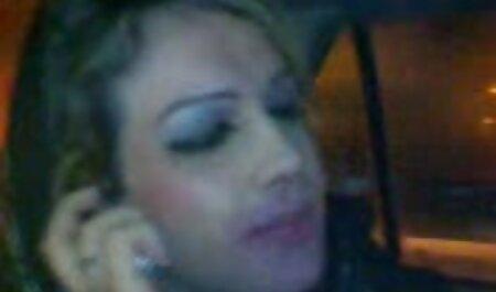 Cuckold Frau von angeheuerten schwarzen kostenlose neue sexfilme Stier gefickt, während ich zuschaue