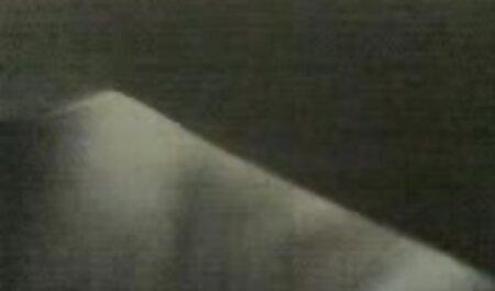 Young Libertines neue sexclips - Ein verspieltes Kätzchen, das Analsex liebt