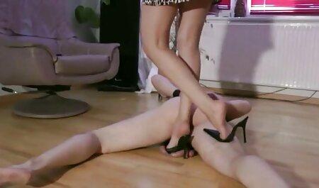 Meine Milf ausgesetzt Strümpfe, neue pornofilme gratis Stiefel durchbohrt Pussy Masturbation