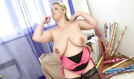 JOI masturbiert mit neuepornos rotem Höschen