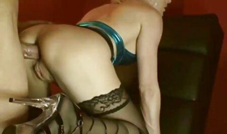 Schöne schwarze MILF zeigen, wie lexy roxx pornos neu man einen Mann erfreut