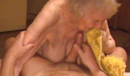 Mutter porno hd neu im Badezimmer