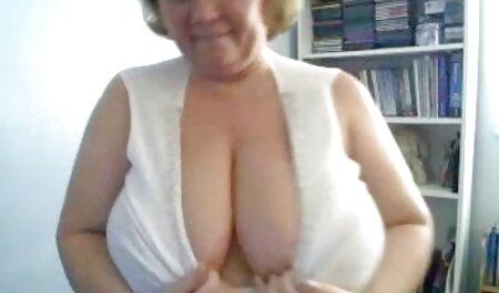 Der blonde Pornostar neue sexclips Dayna Vendetta bekommt eine Schüssel voll Sperma