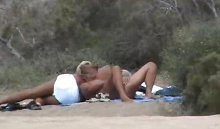 Süße Blondine spielen neue pornofilme im Bad
